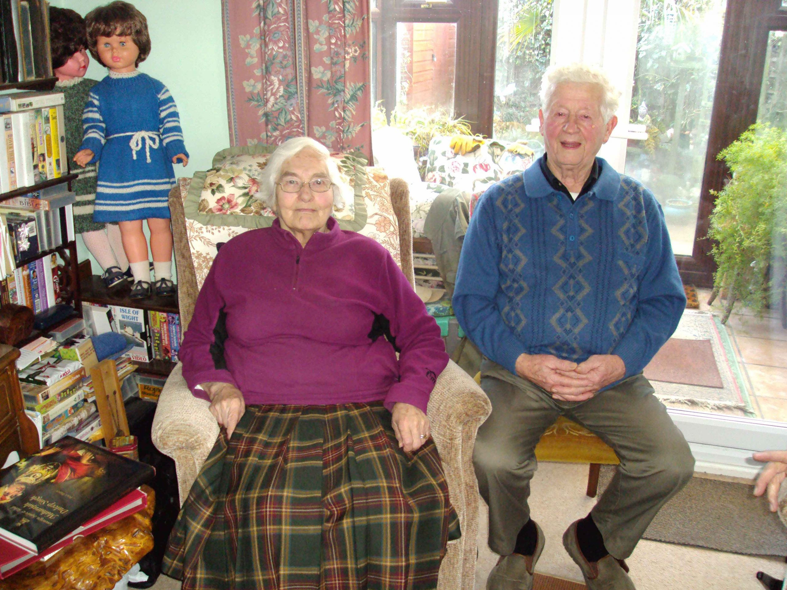Doris & Oscar Kettle in 2011, ex- residents of Blo Norton who recalled the Princesses in the village